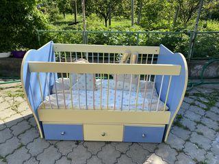 Pătuț pentru bebeluși. Stare ideală . 3500  lei. Se leagăna