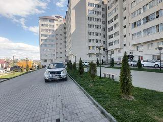 Apartament ( ialoveni) - 52m2 la etaj 4