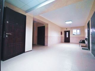 Vânzare, spații pentru oficii, euroreparație, 11, 12, 14, 17, 20 m2, zonă aglomerată