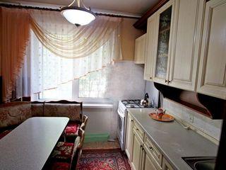 Квартира в отличном состоянии. Планировка - 143 серия.