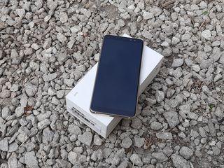 Продам Samsung Galaxy A8-2018 Gold в идиале urgent!!!