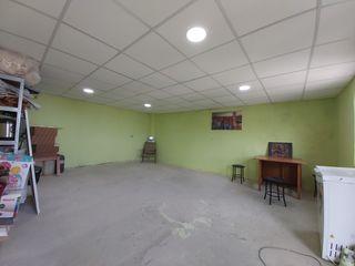 Se Vinde garaj în Stăuceni, în două nivele, teren privatizat, subsol spațios. Prima linie.