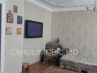 Продается 3-х комнатная квартира в 15 МКР