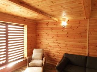lucru cu lemn,mansarde,case din lemn,acoperiș,gardurietc