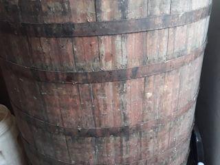 Cada din lemn pentru vin! 700 litri