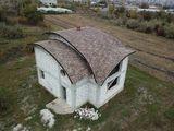 Casa, acoperis semioval, proiect interesant..