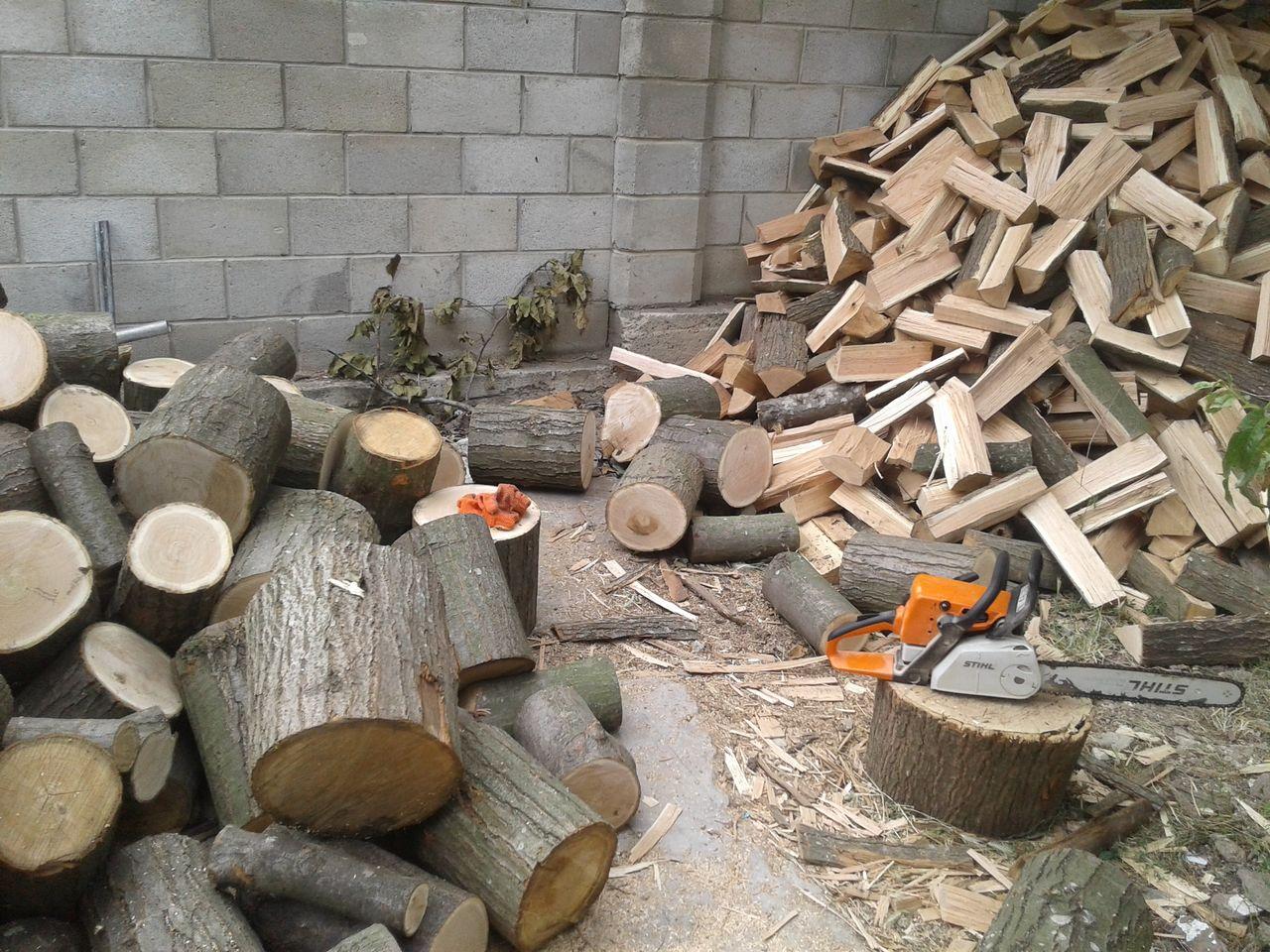 пилящий дрова картинки перу обещает оголить