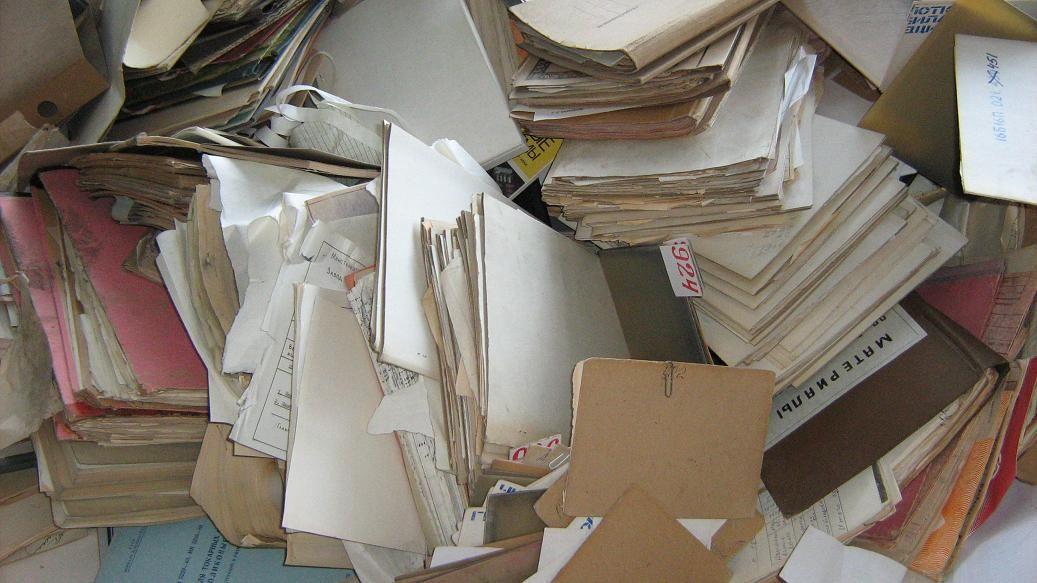 картон и газеты картинки дешевый простой монтаже
