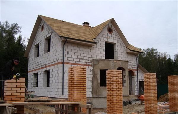 Дом из шлакоблока с мансардой проекты фото