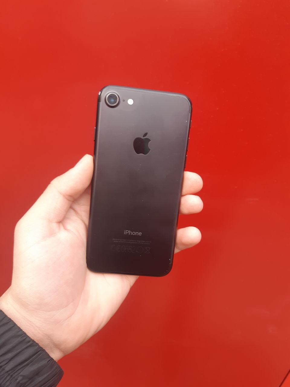 iPhone 7на 32 3000 лей
