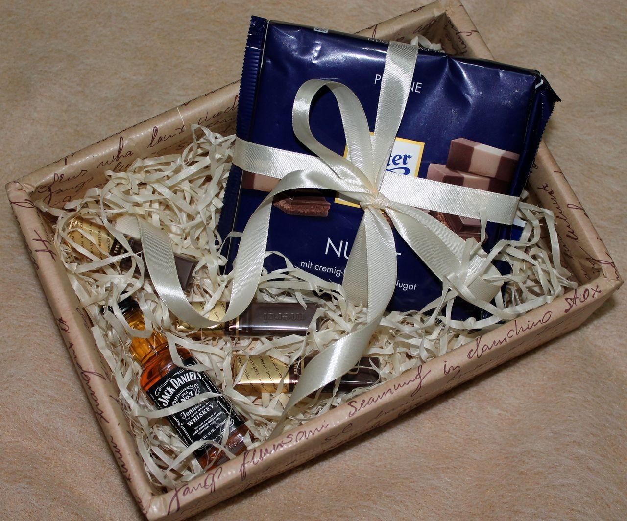 общежитие, приют подарок для мужчины в коробочке фото городе орле живёт