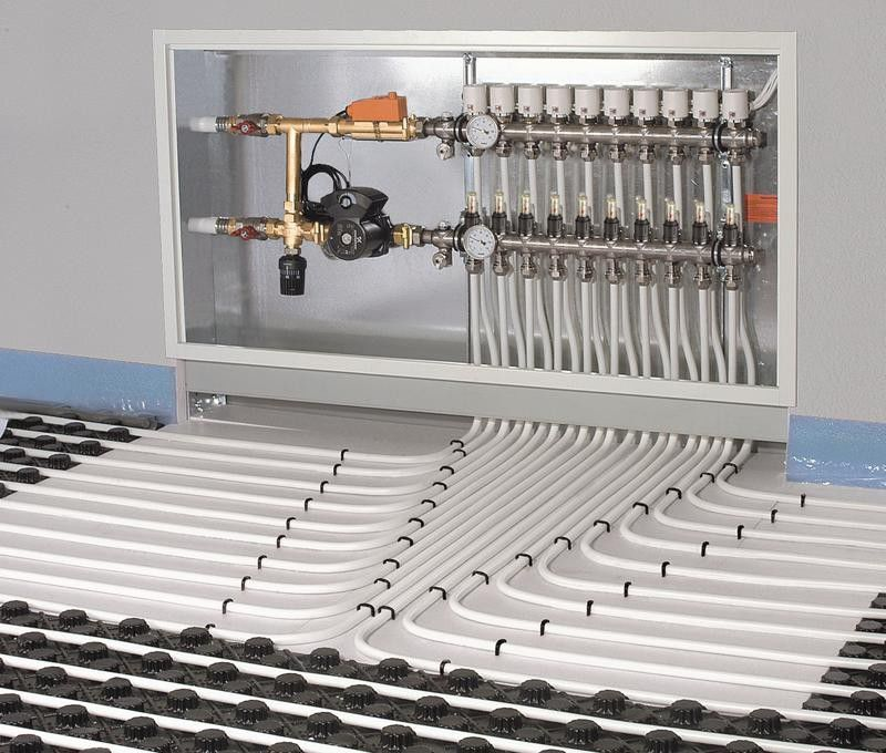 أنابيب للتدفئة تحت البلاط - اختيار والحساب وتركيب الفروق الدقيقة في وضع