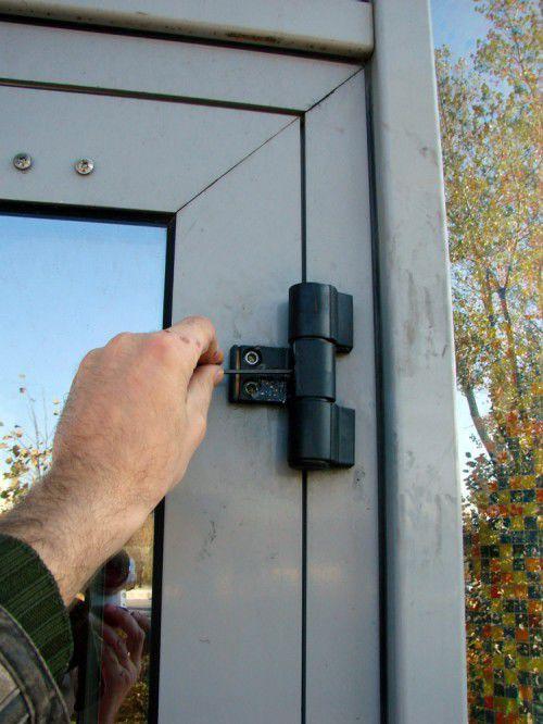 Регулировка межкомнатных дверей