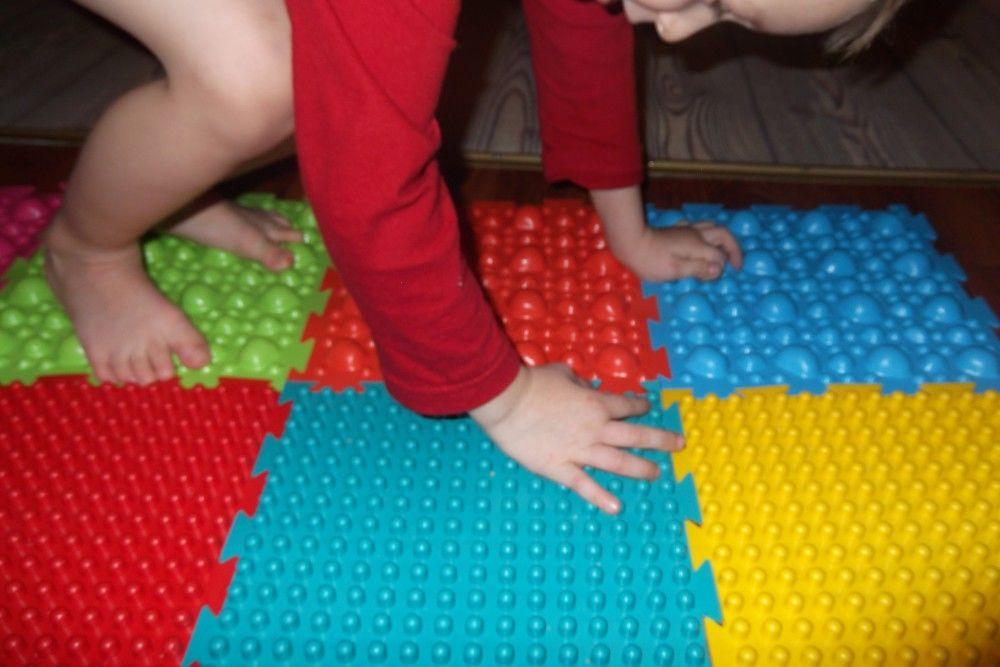 Из чего сделать ортопедический коврик для детей своими руками фото