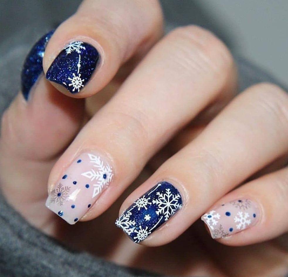 запечатлели дизайн ногтей фото снежинки на ногтях роль стиле