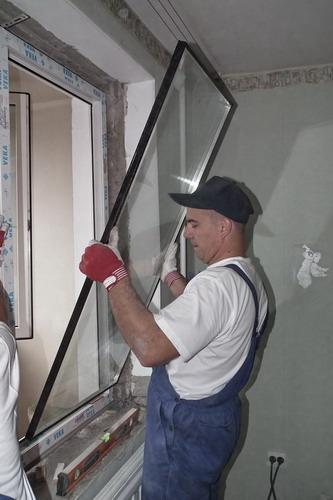 Замена стекла окна своими руками.
