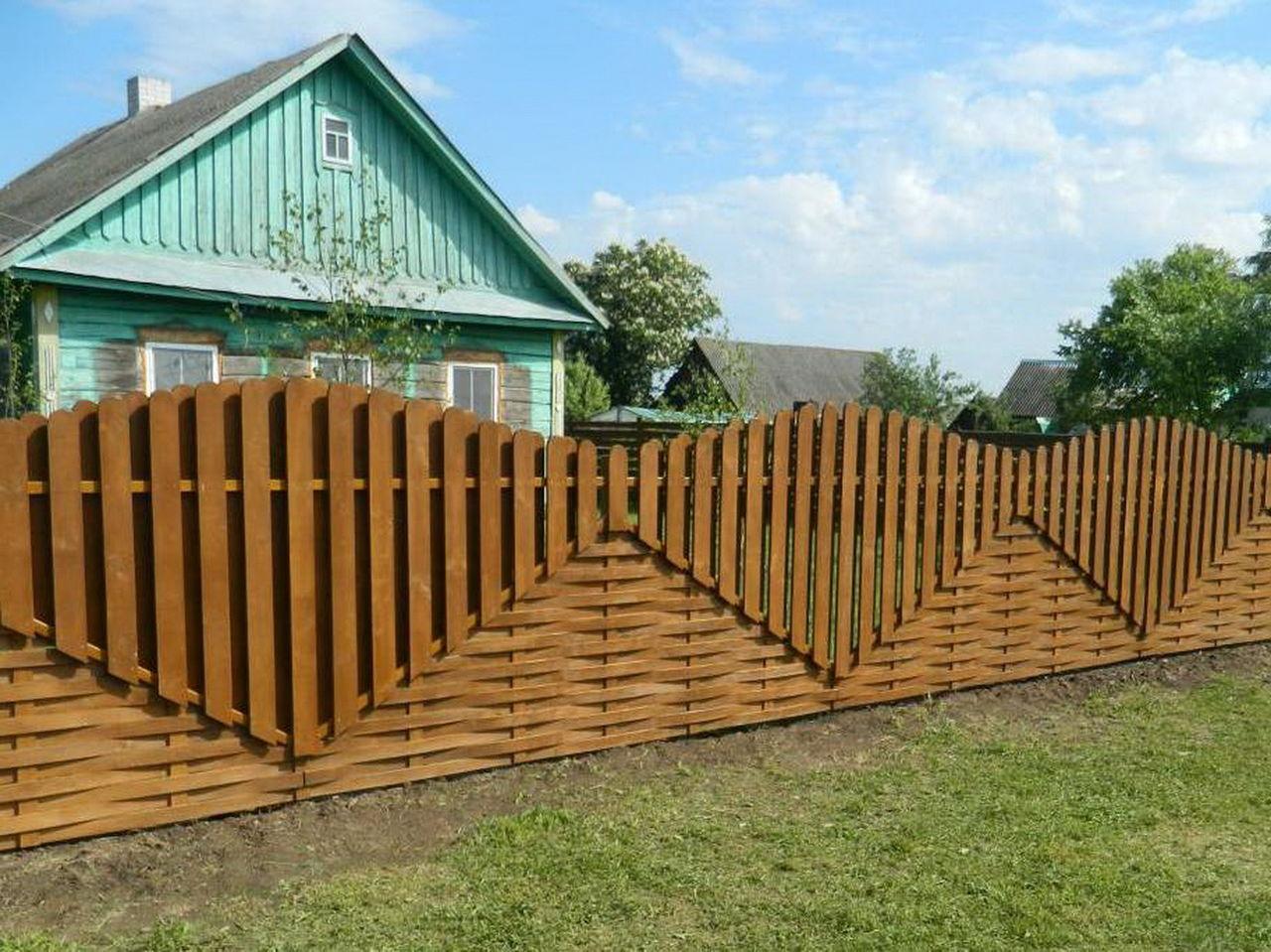 Декоративный забор из штакетника своими руками 38