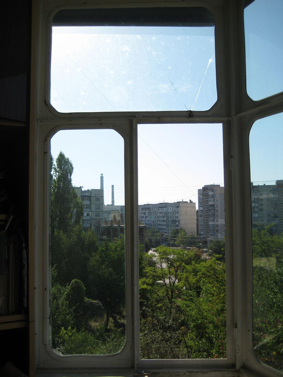 Металическая балконная рама остеклённая-143 серия балкона.