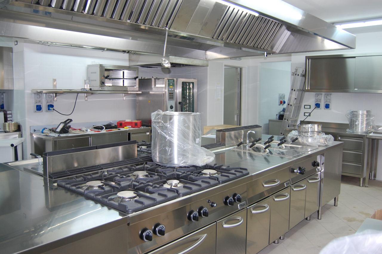 Utilaj si echiapamente pentru bucatarie restaurant for Mobili cucine ristorante