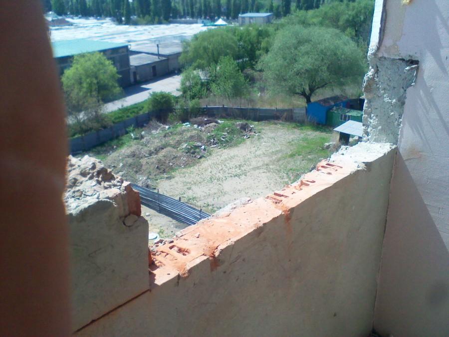 Резка проемов в кирпичных и бетонных стенах, выход на балкон.