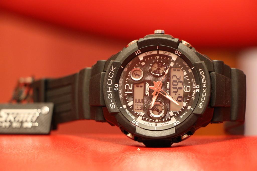 Недорогие спортивные часы