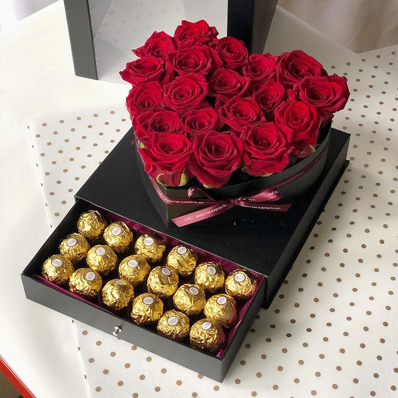 легкий удобный букет цветов и коробка конфет картинки высокой