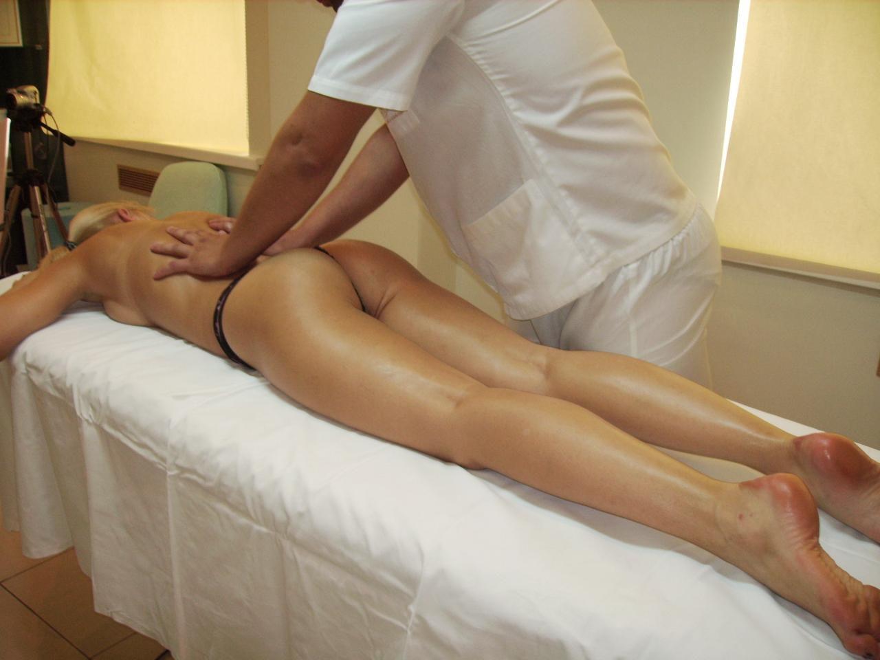 Эротический массаж с выездом на дом в москве 3 фотография