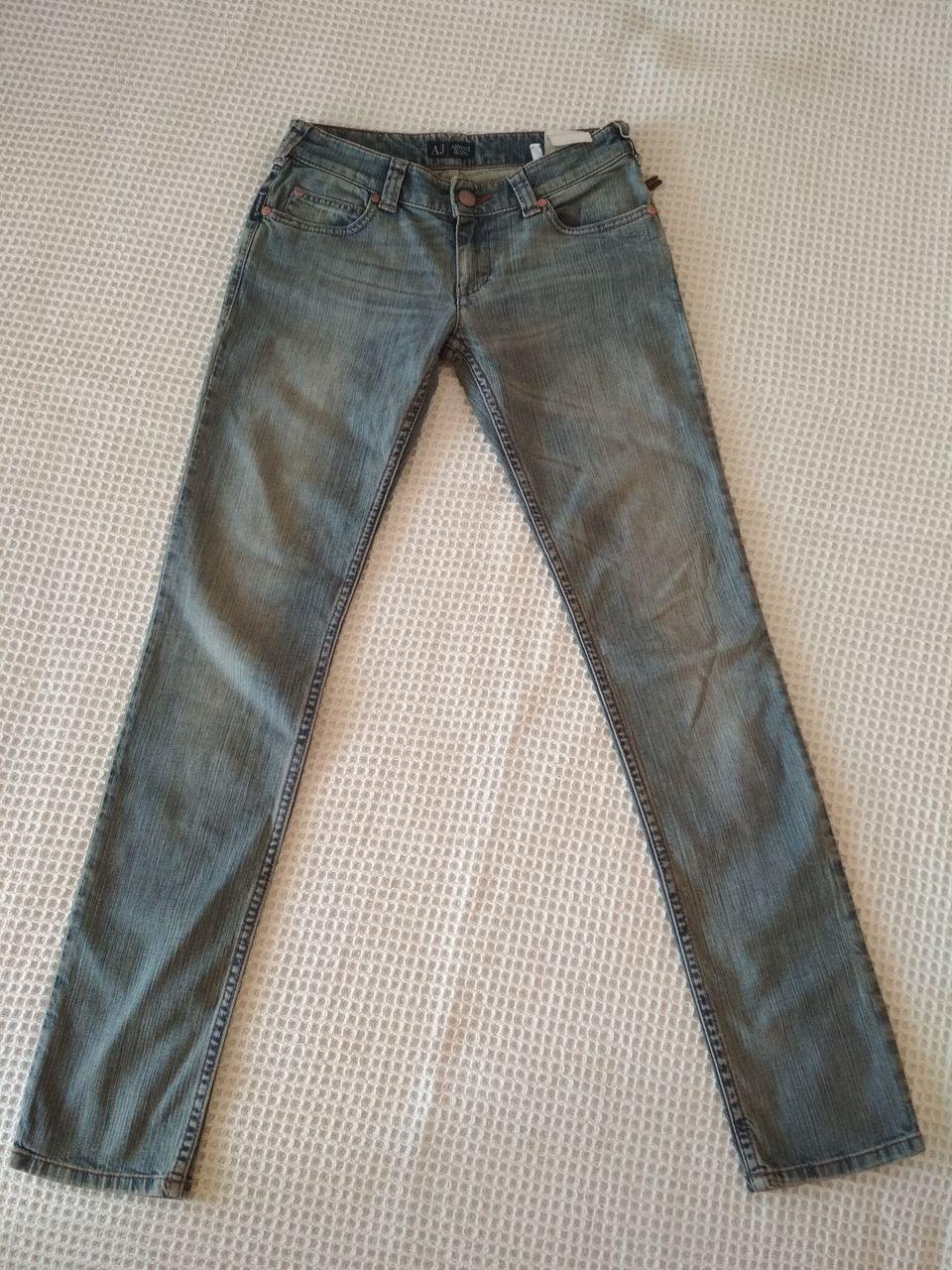 Новые джинсы Armani Jeans. Размер 25 5d05b05d36d25