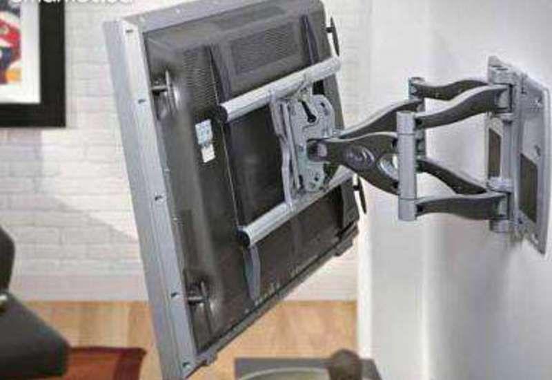 Крепление телевизора на стену с готовым кронштейном и без