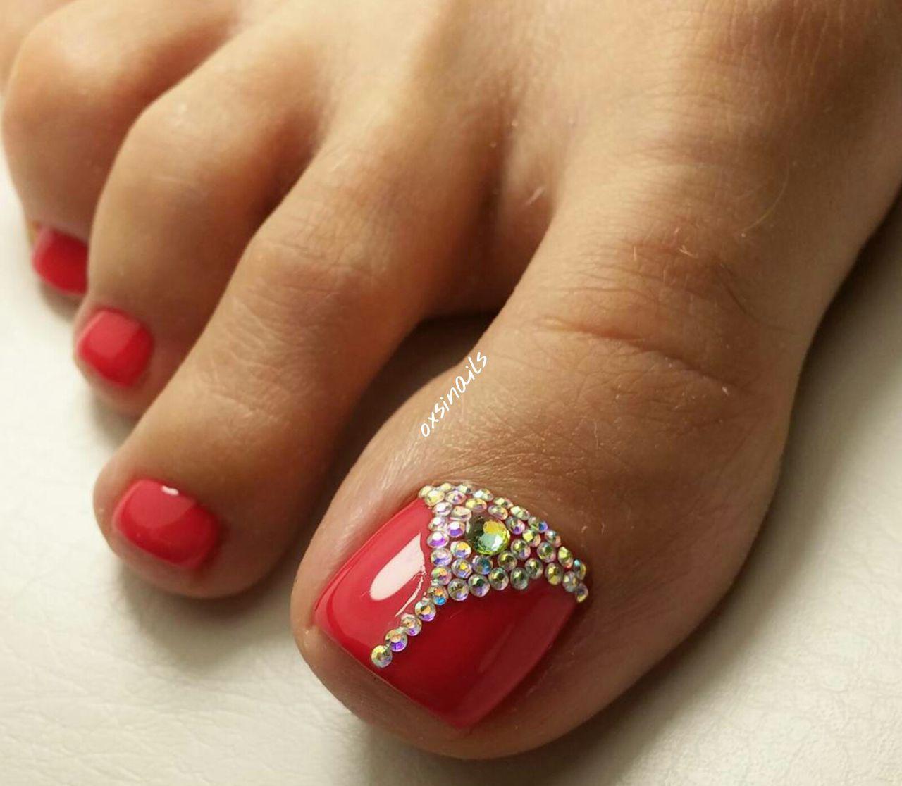 Лунки на ногтях фото педикюр