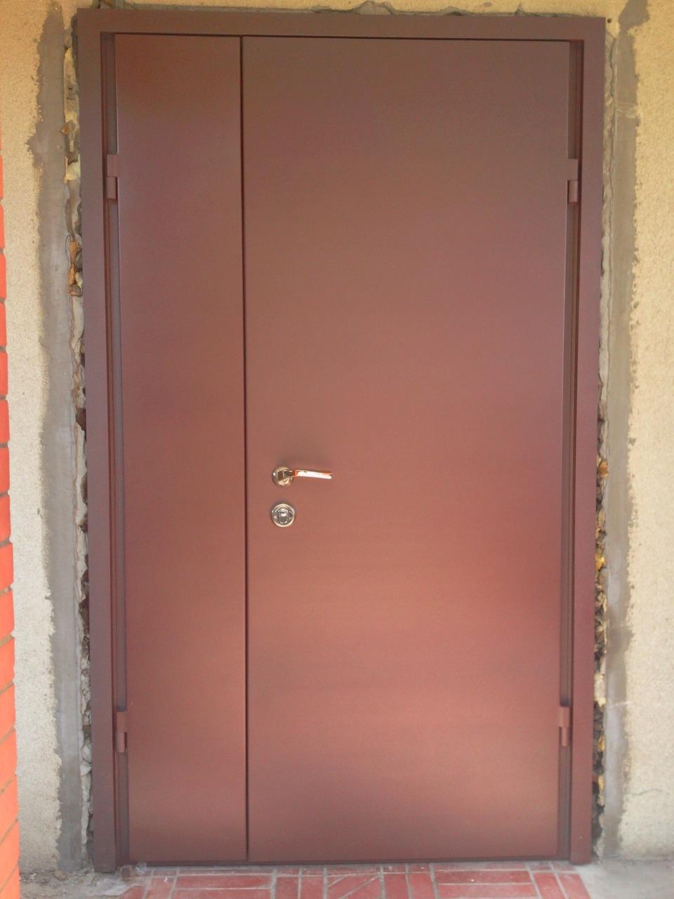 металические входные двери в подъезд