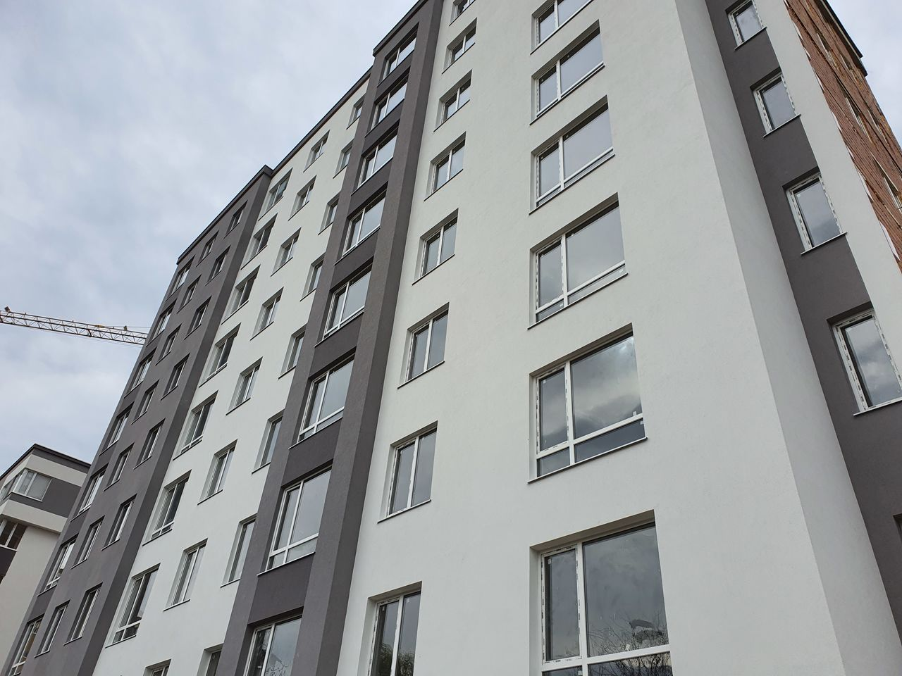 "Complex locativ ""Codru Residence"" 2 odai-45m2,3 odai-54m2 Darea în exploatare Iunie 2020"