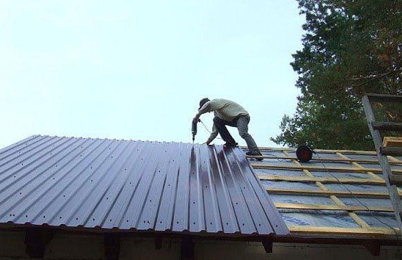 как прикрутить последний лист на крышу