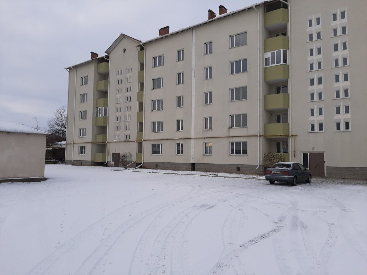 Briceni apartamente in casa noua la pret accesibil  Квартиры Новострой в центре Бричаны