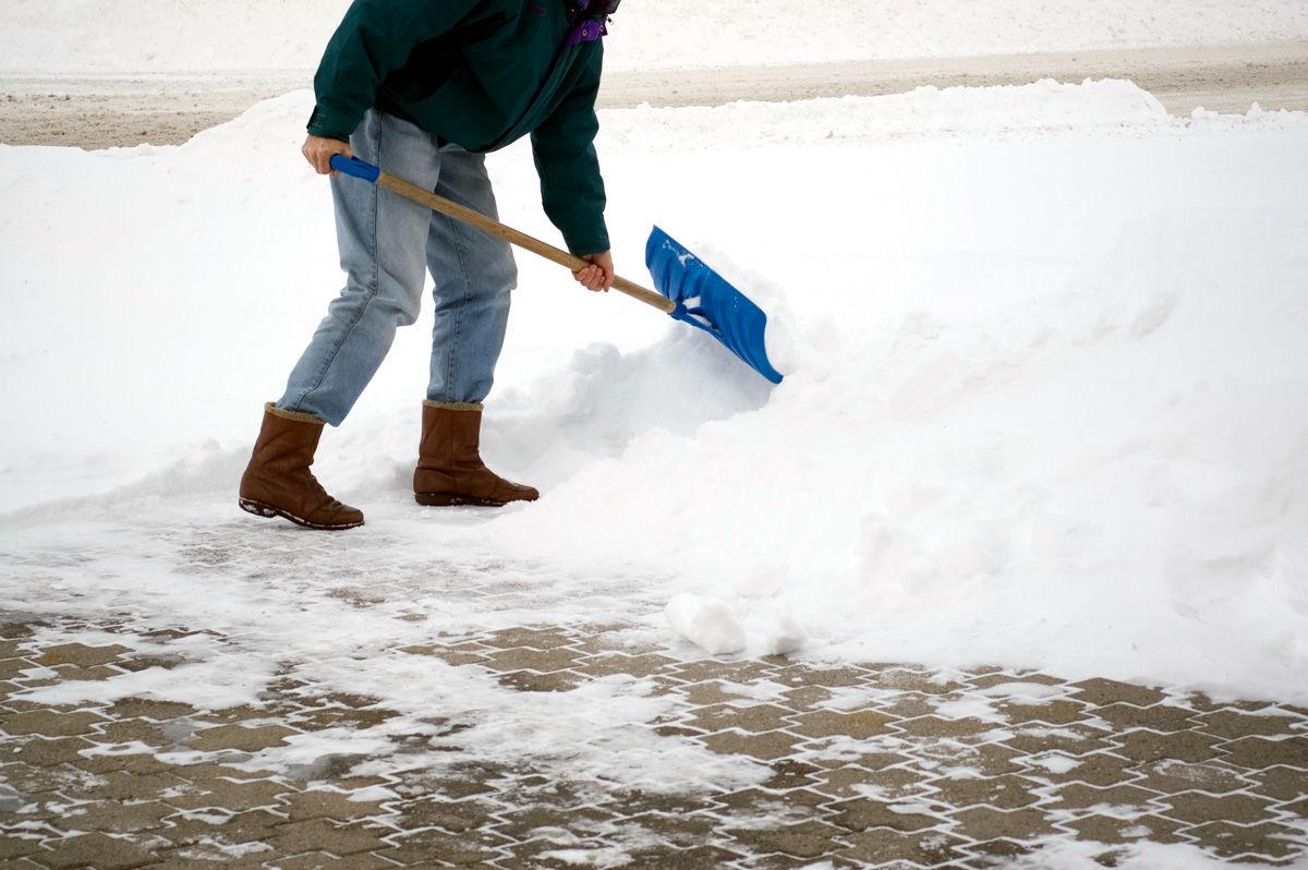 Картинки по уборке снега, день воздушно-десантных войск