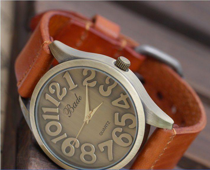 Часы с очень большим циферблатом