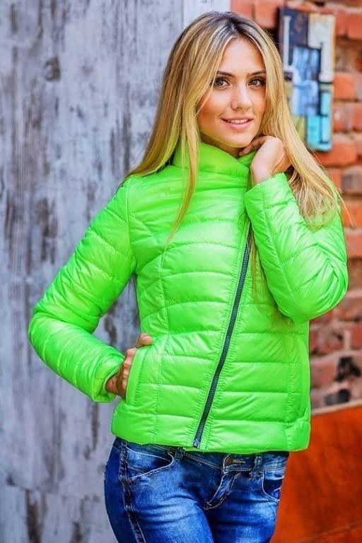 Фото куртки салатового цвета