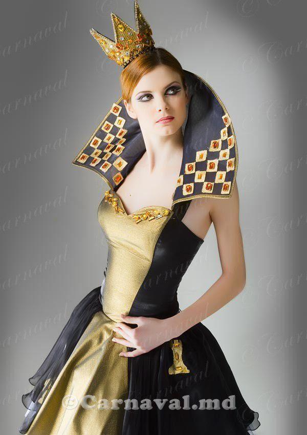 свое костюм королевы шахмат фото роде иберисов выделяют