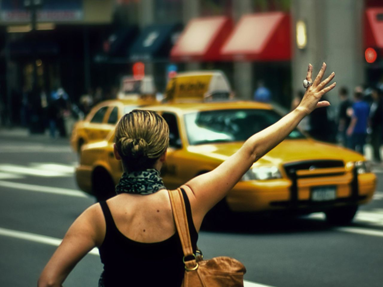 Сосущие телки в такси, После вечера с подружками тёлочка заказывает такси 11 фотография