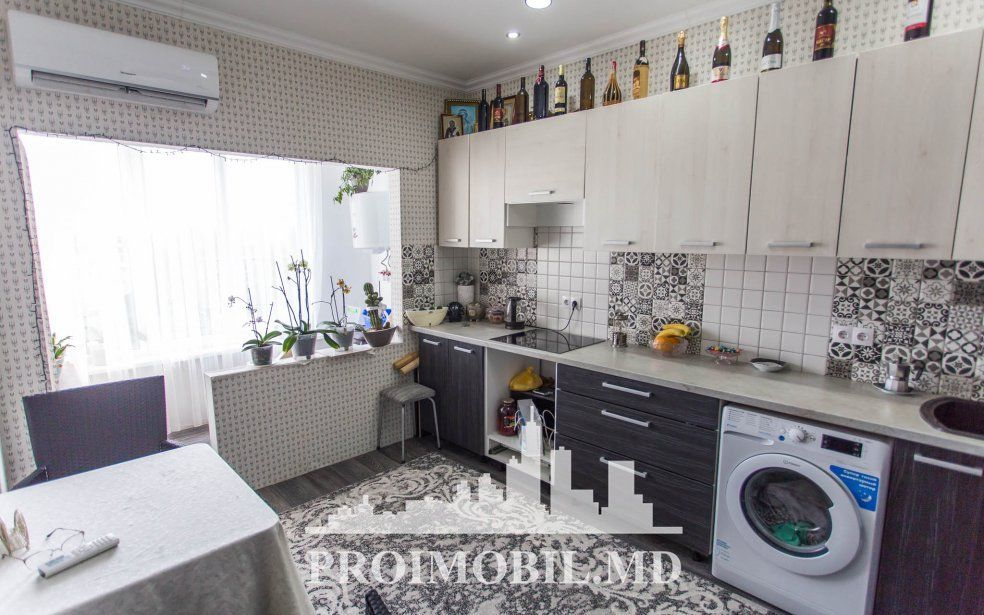 Sucevița 1 cameră + living, euroreparație, termopane 25 000 euro