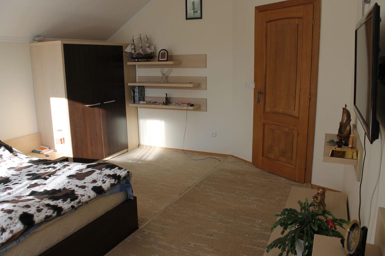 Vind mobila dormitor procurat de la anturaj for Divan 999 md