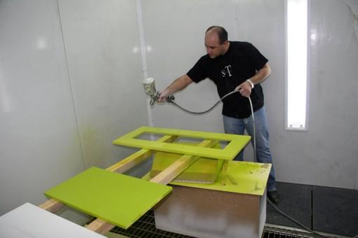 Чем покрасить мебель из дсп