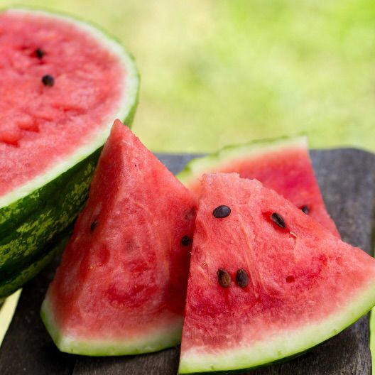 seeded vs seedless watermelon Seedless watermelon – how do they do that high germination rate is important since seed of seedless types is quite expensive compared to seeded varieties.