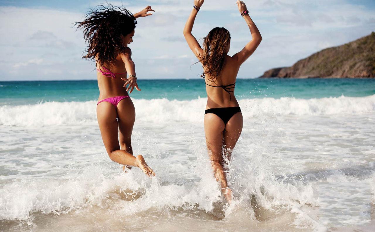 Картинки девушки на пляже в турции, написать открытке