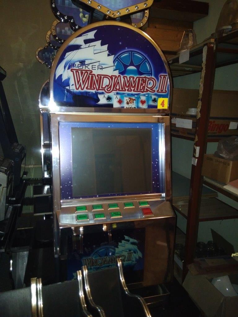 Игровые автоматы revolt-2004 игры игровые автоматы из ссср