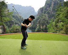 В Китае закрывают более 100 нелегальных полей для гольфа