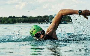 Плавание в триатлоне: как подготовиться к соревнованиям