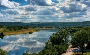 10 Reasons to Visit Moldova and to Stay for a while