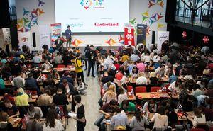 Cum se petrec campionatele de asamblare a puzzle-urilor din alte țări?