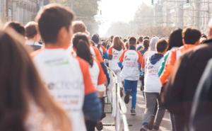 """Participanții la cursa gratuită """"Fun Run"""" vor primi un tricou cadou"""
